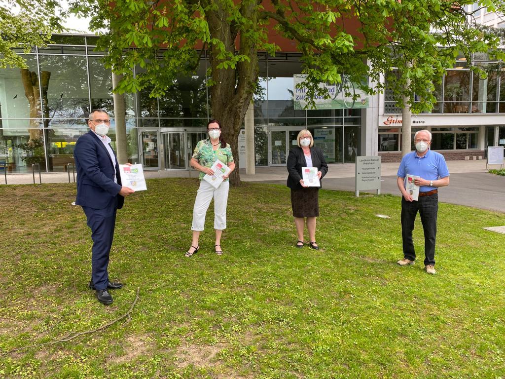 Rot-Grüner Koalitionsvertrag unterzeichnet. v.l.n.r.: Andreas Siebert, Susanne Regier, Silke Engler, Reinhold Orth